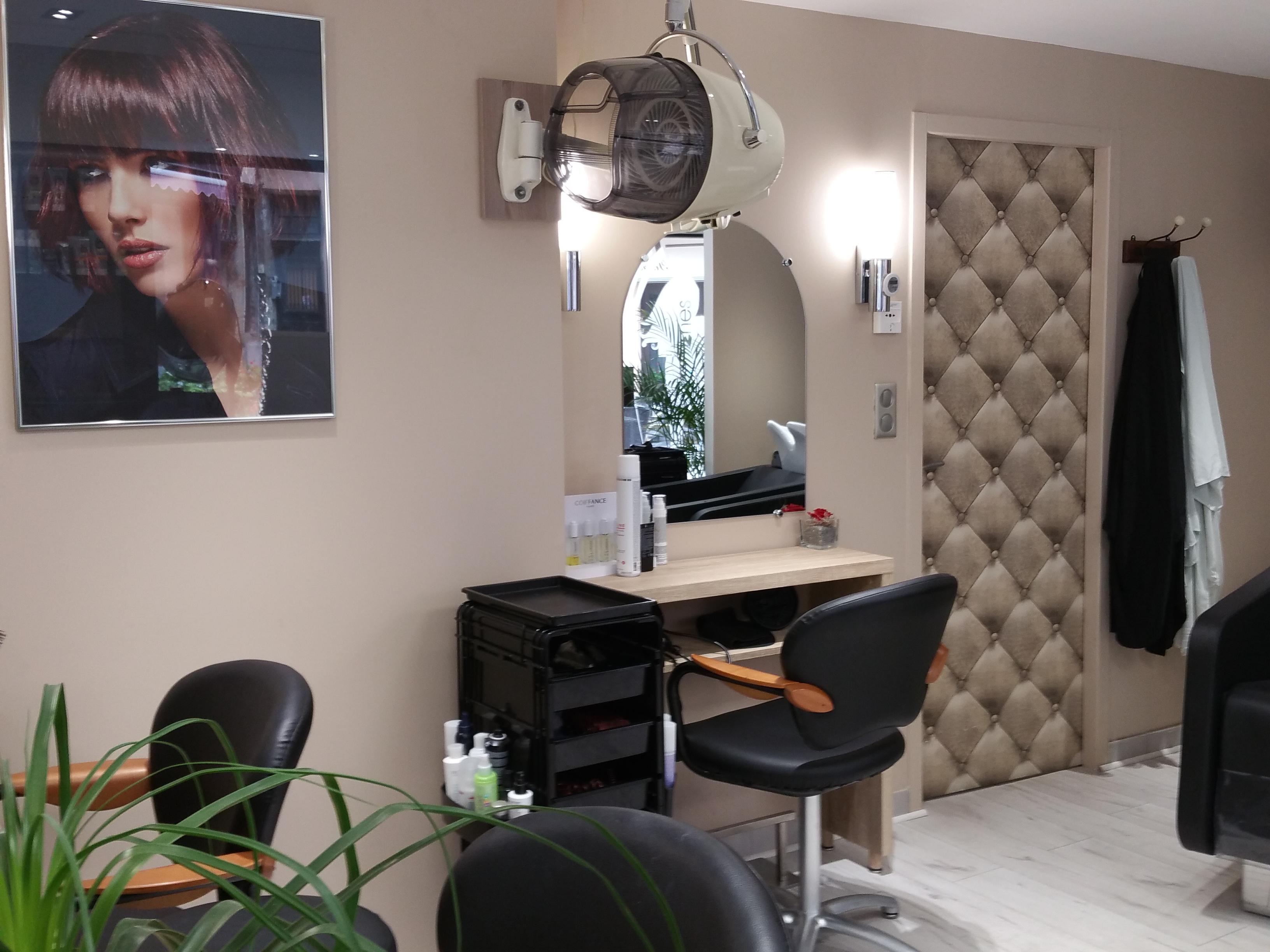 A l 39 essentiel coiffure by sylvie mende avis tarifs horaires t l phone - Salon de coiffure l essentiel ...
