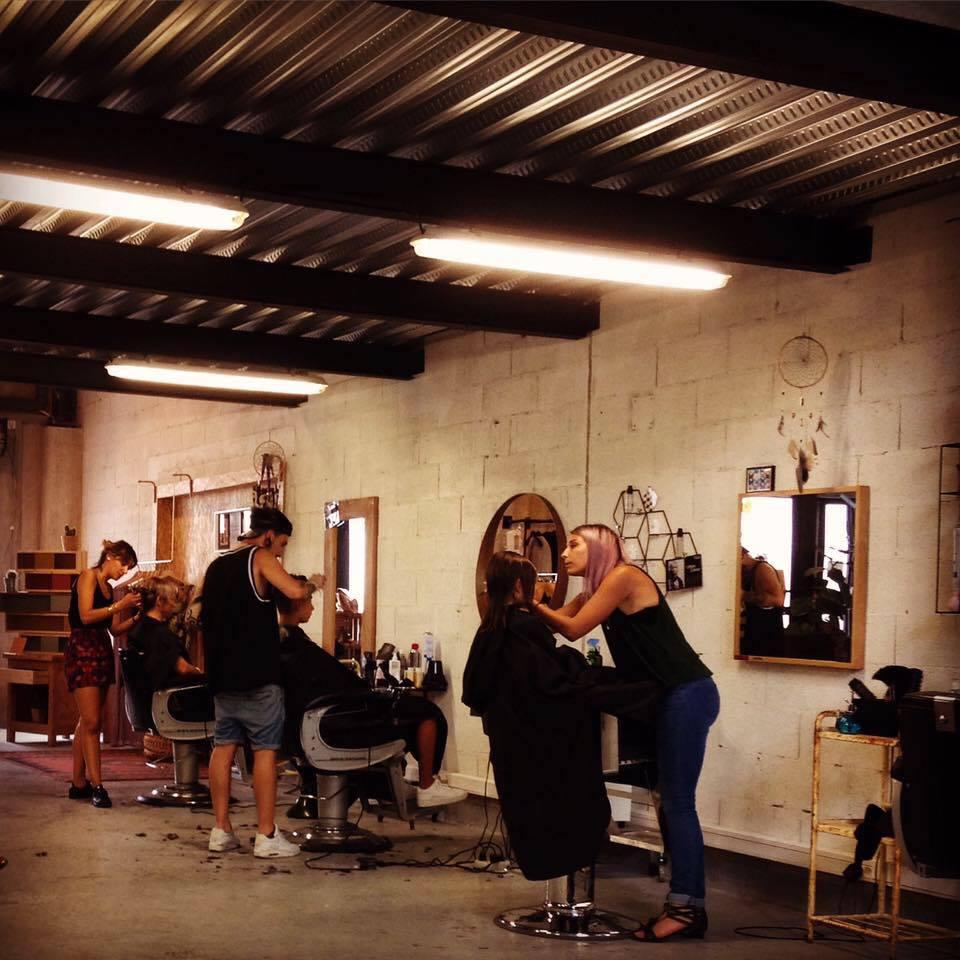 Hardwax coiffeur barbier avignon avis tarifs horaires for Salon avignon