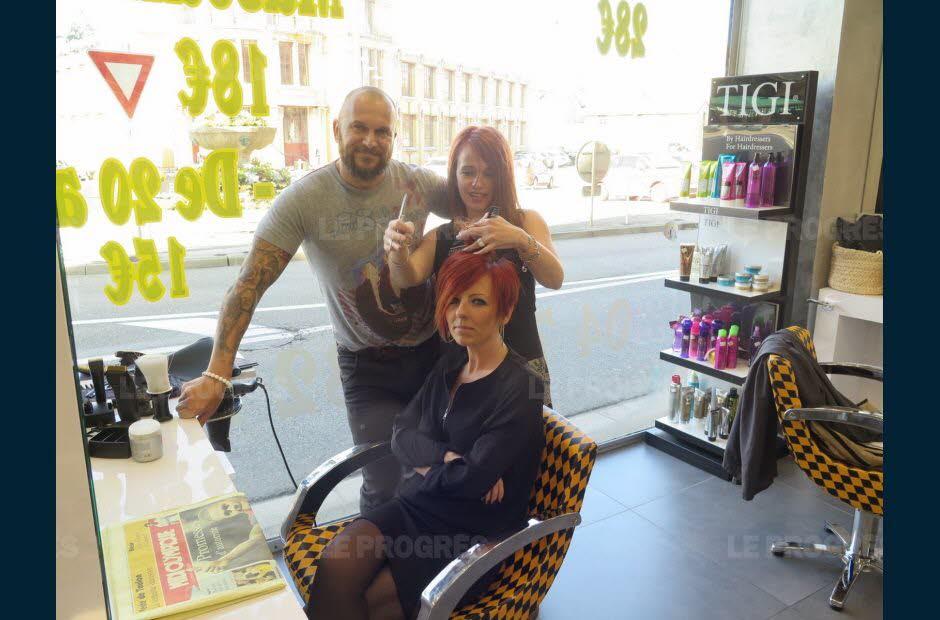 Un coiffeur propose un concept inédit... et risque très très gros !