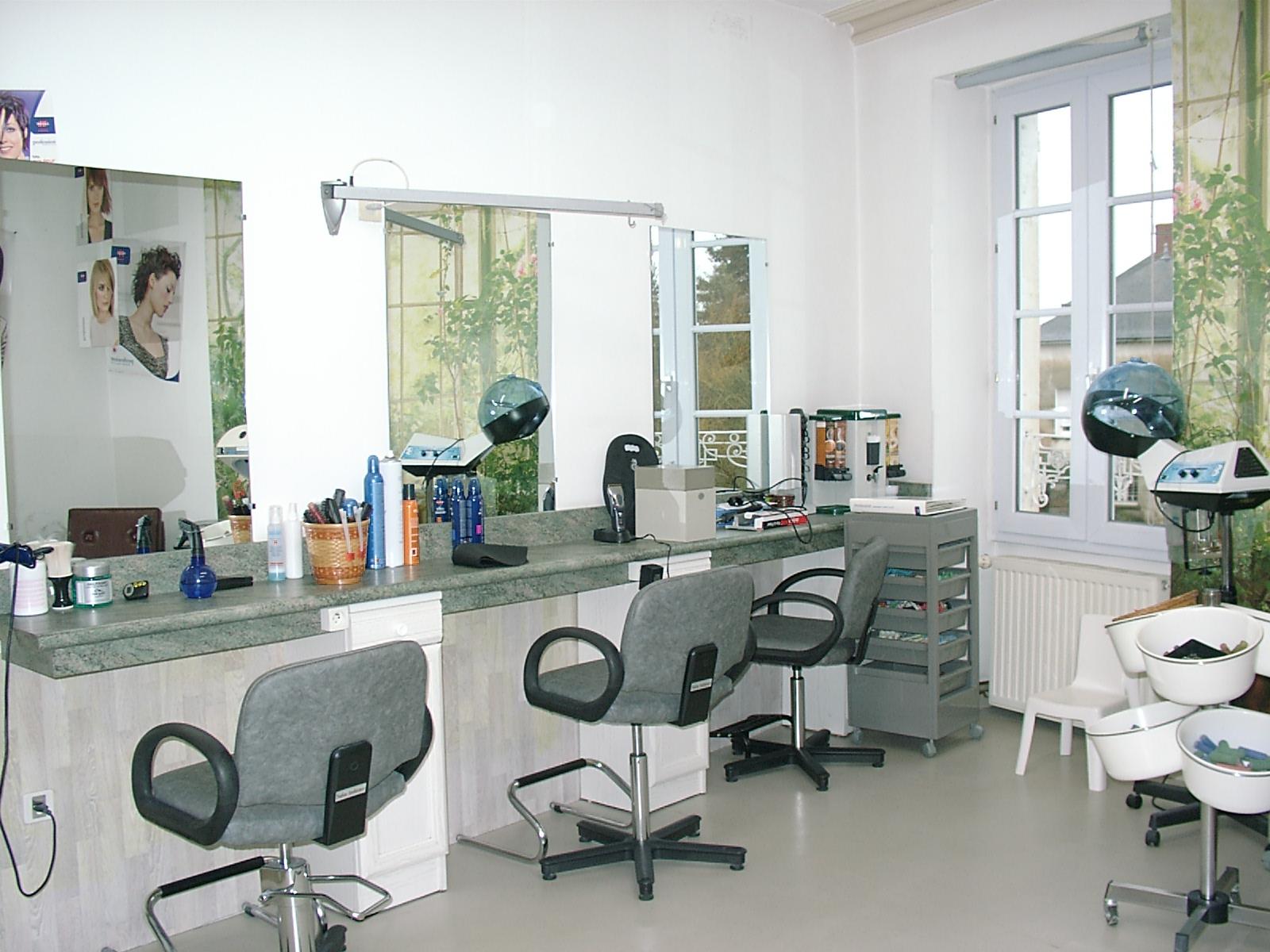 Zen 39 itude coiffure mareuil sur lay dissais avis tarifs for Salon zen rabat tarifs