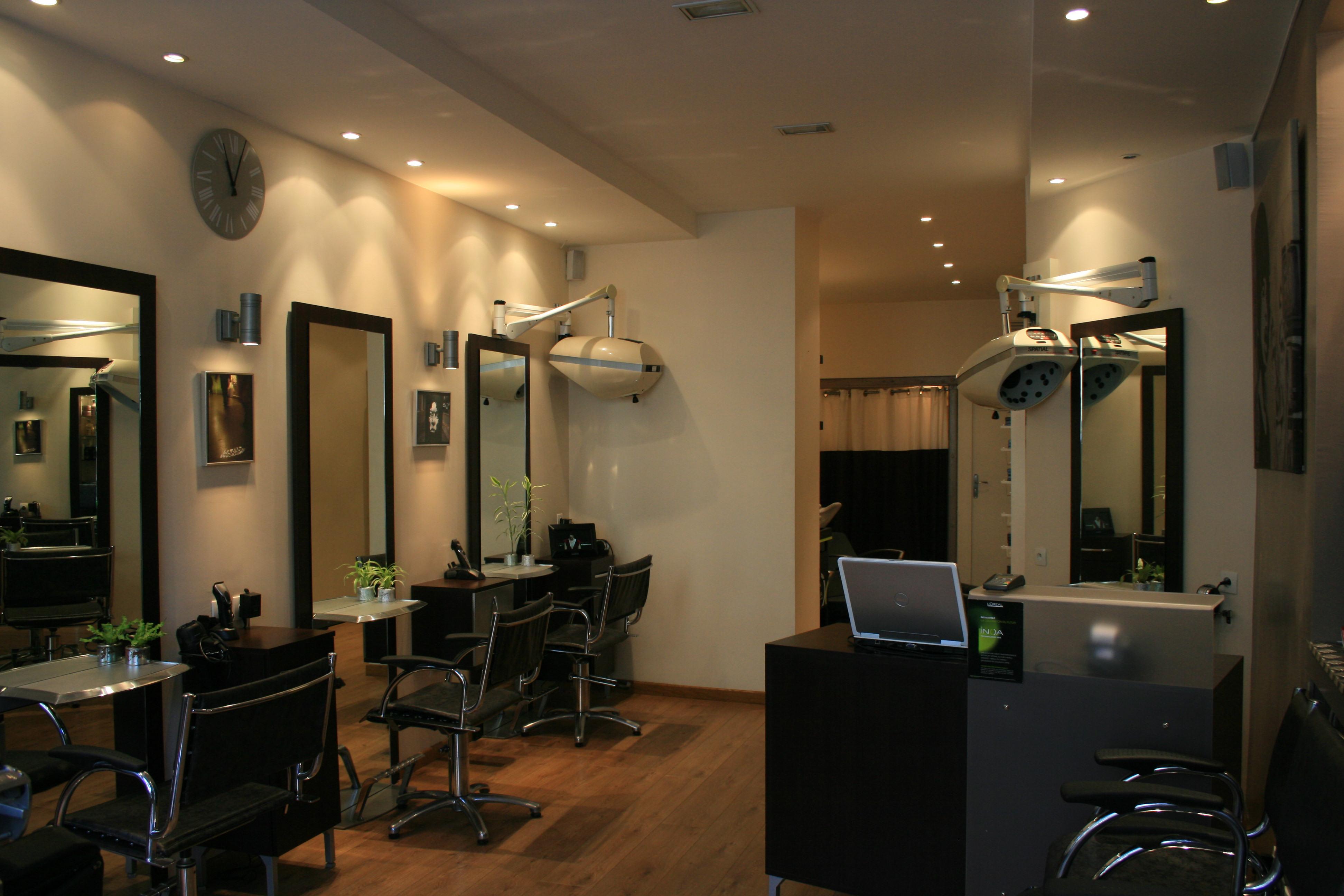 L 39 atelier de coiffure paris 03 avis tarifs horaires for Salon de coiffure paris 16