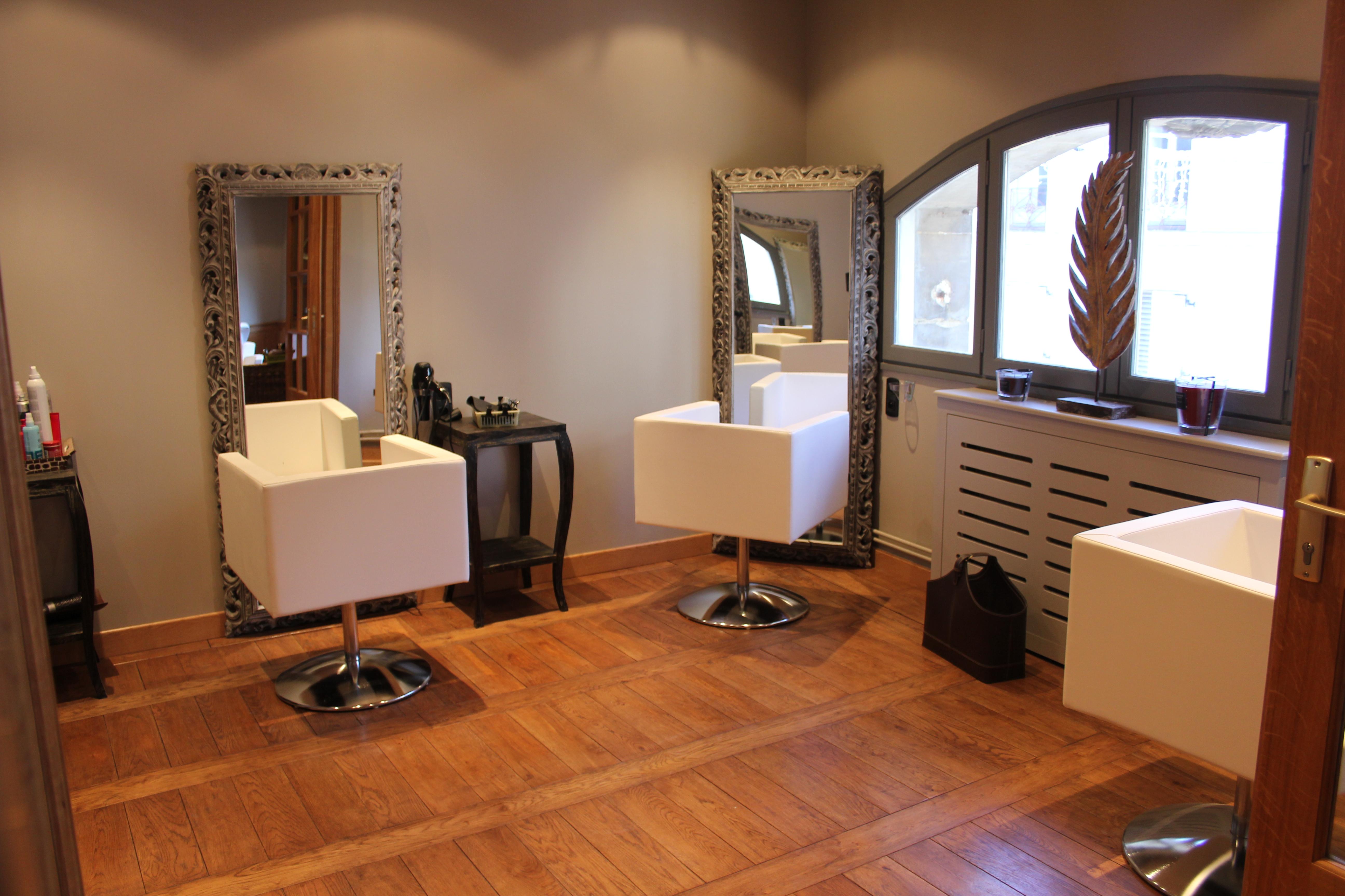 Sandro esprit spa le mans avis tarifs horaires t l phone for Salon de coiffure le mans