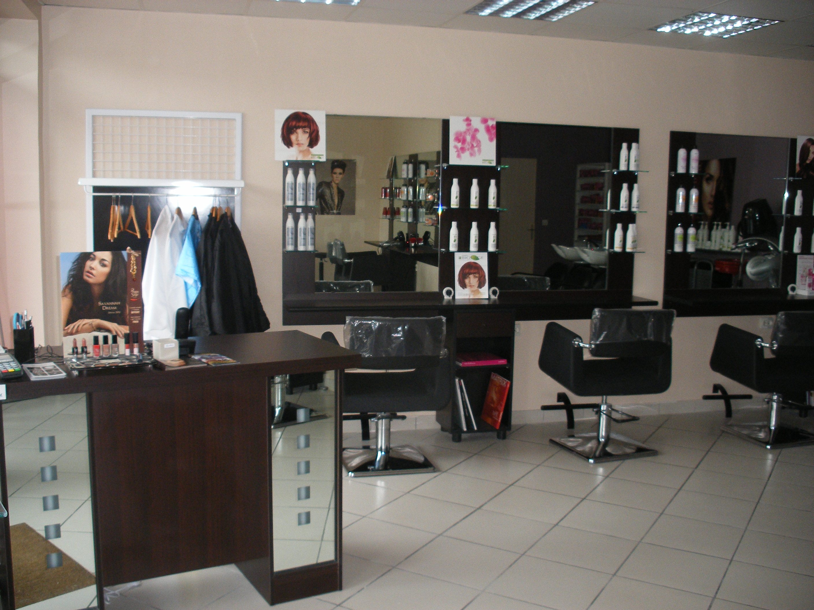 les design 39 hair coiffure amilly avis tarifs horaires. Black Bedroom Furniture Sets. Home Design Ideas