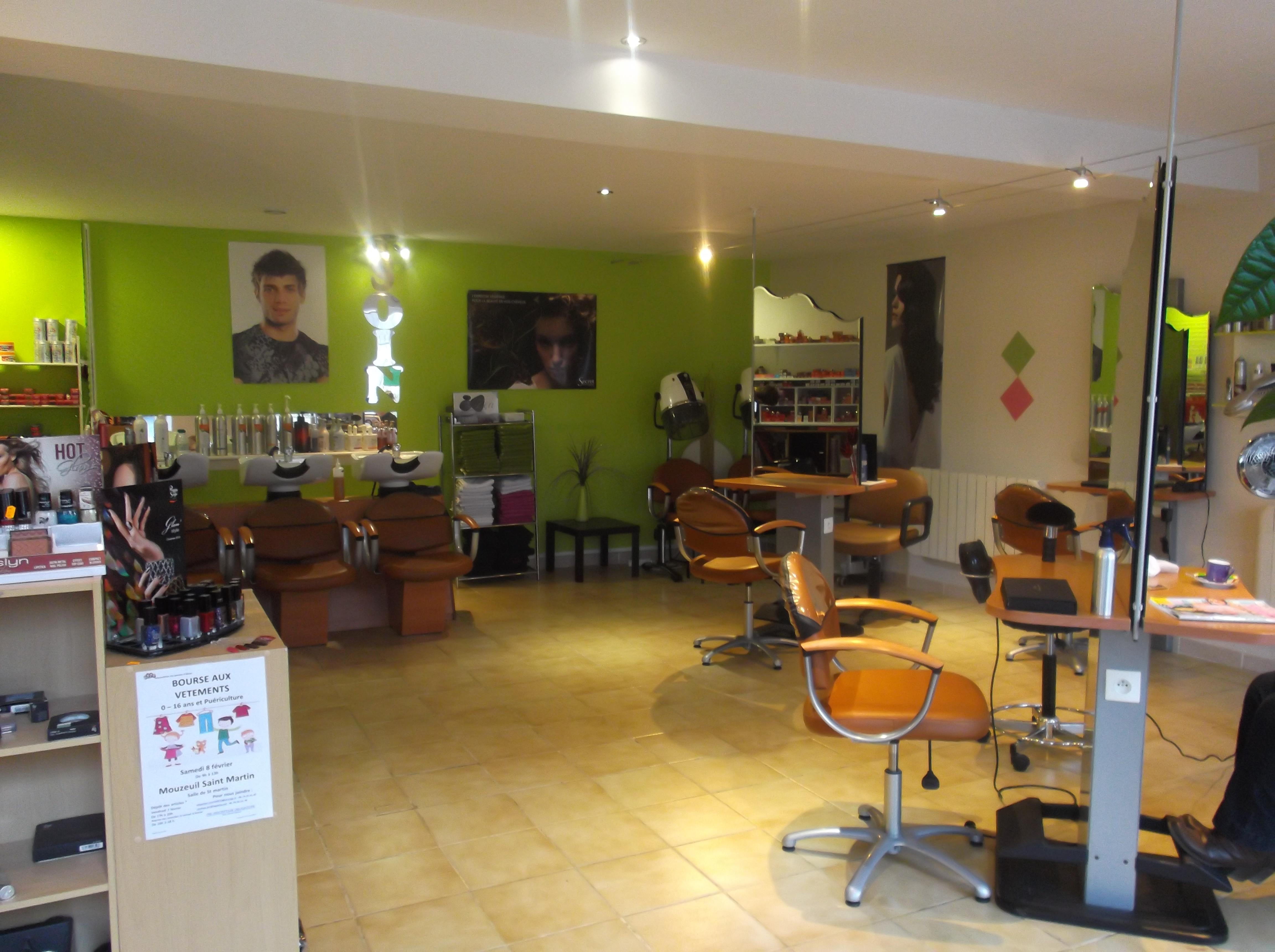 Hair fm le poir sur velluire avis tarifs horaires for Avis salon de coiffure