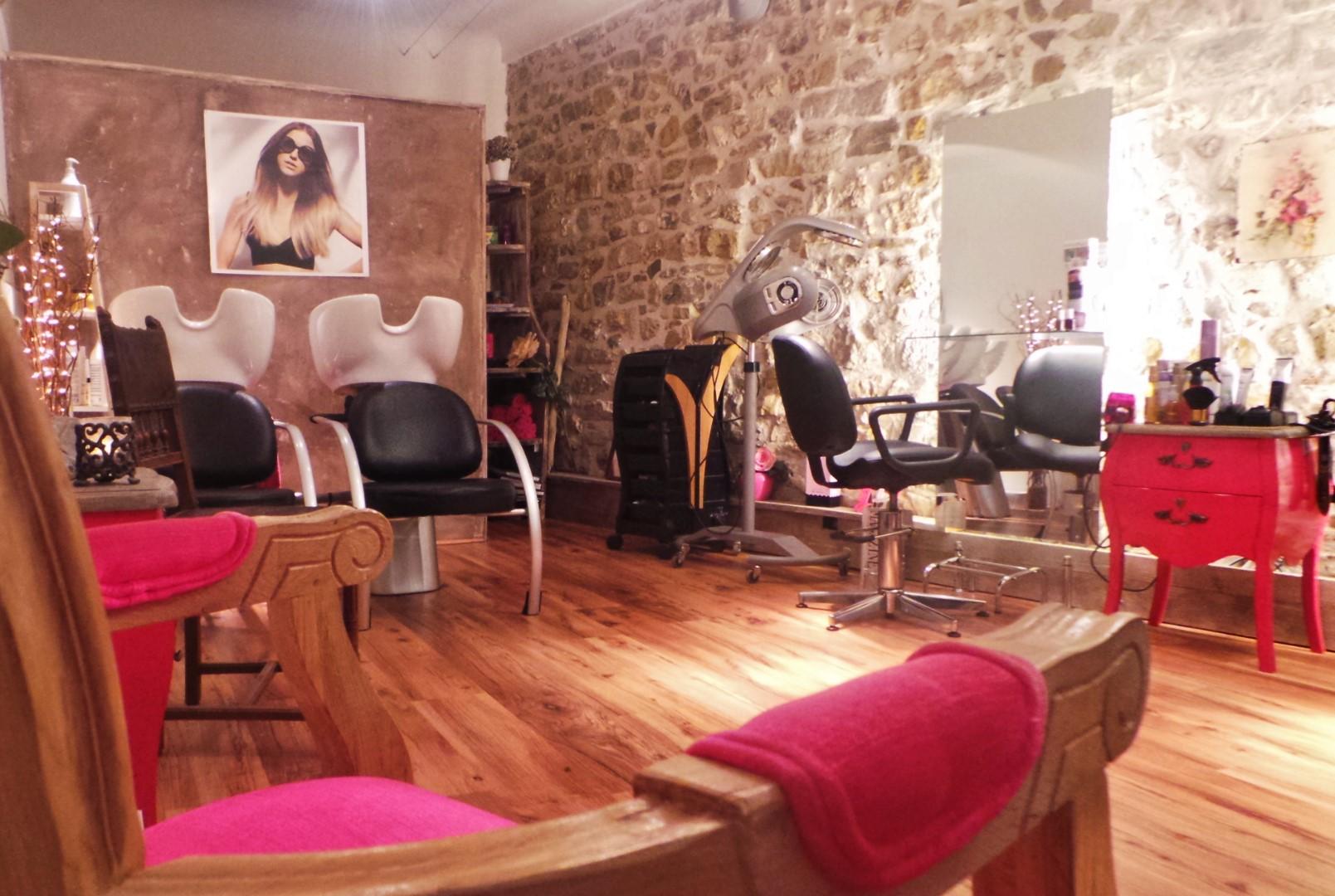 Lili rose mougins avis tarifs horaires t l phone for Salon de coiffure mougins