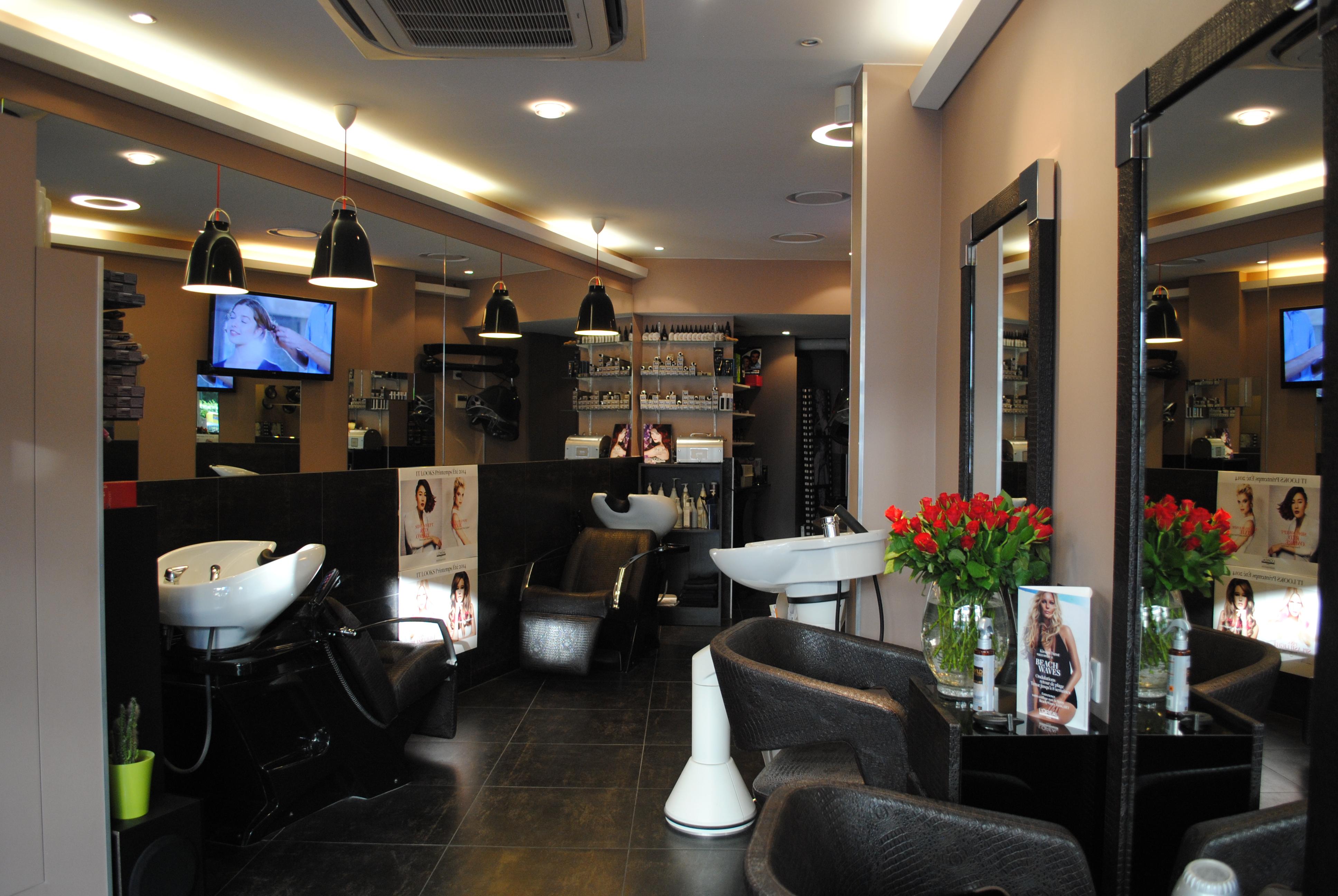 H lena coiffure courbevoie avis tarifs horaires t l phone for Avis salon de coiffure