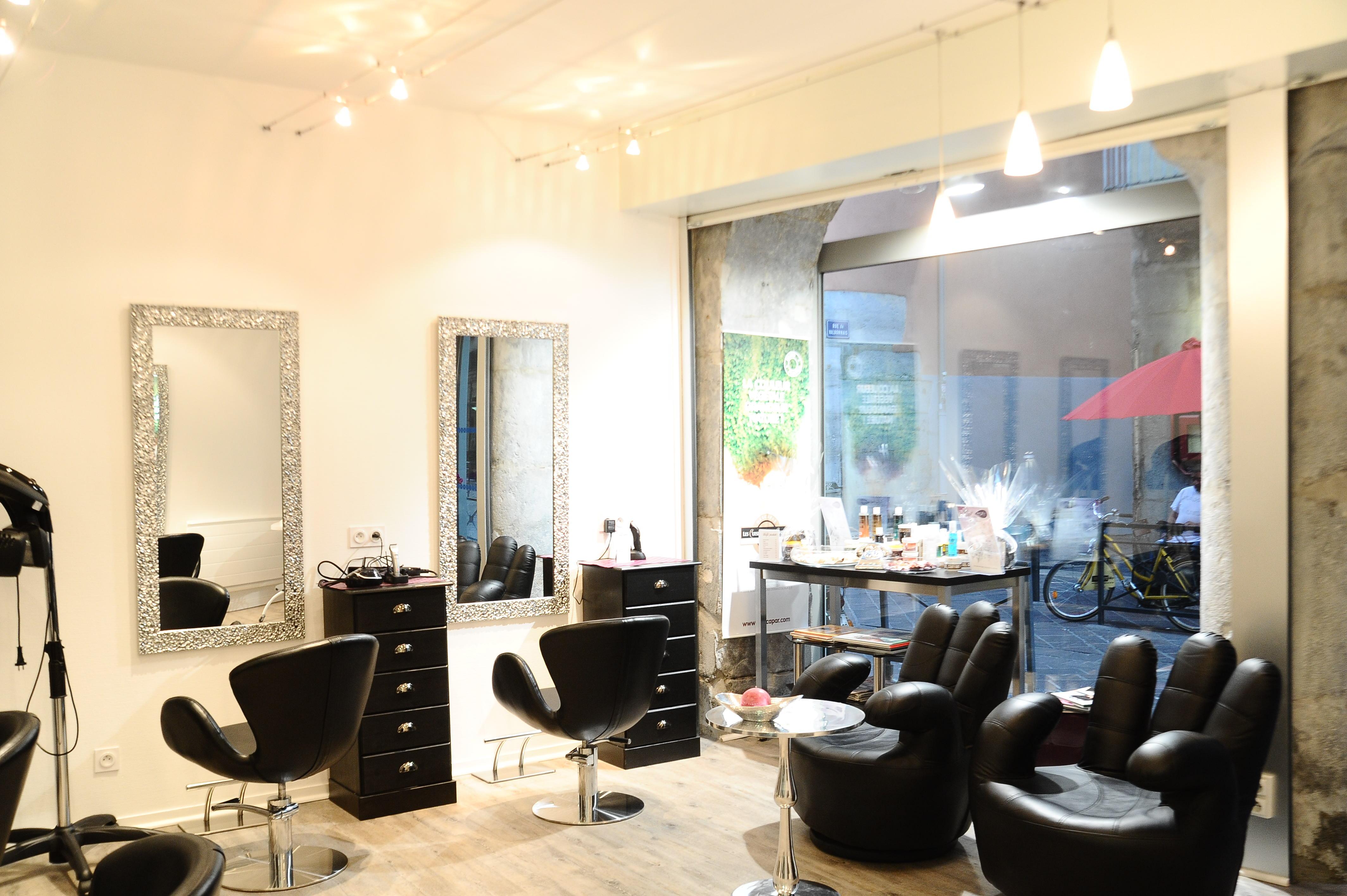 Estethicoiff grenoble avis tarifs horaires t l phone for Salon de coiffure grenoble