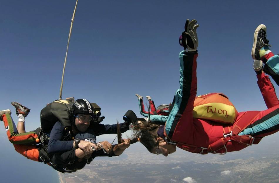 Coiffeur saut en parachute