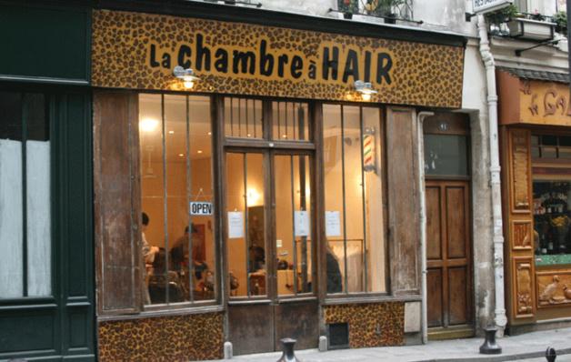 La chambre hair un salon pas tout fait comme les for Salon de coiffure original