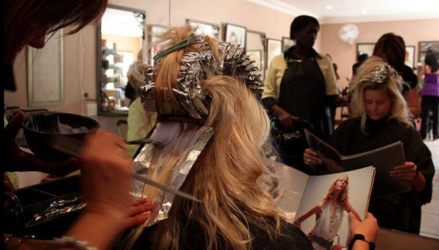 Belgique les coiffeurs n 39 ont plus le droit de parler - Meilleur salon de coiffure bruxelles ...