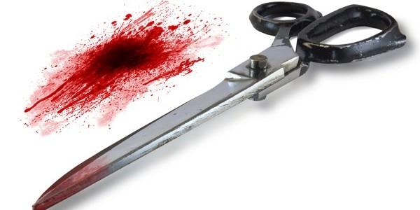 Coiffeur poignarde client