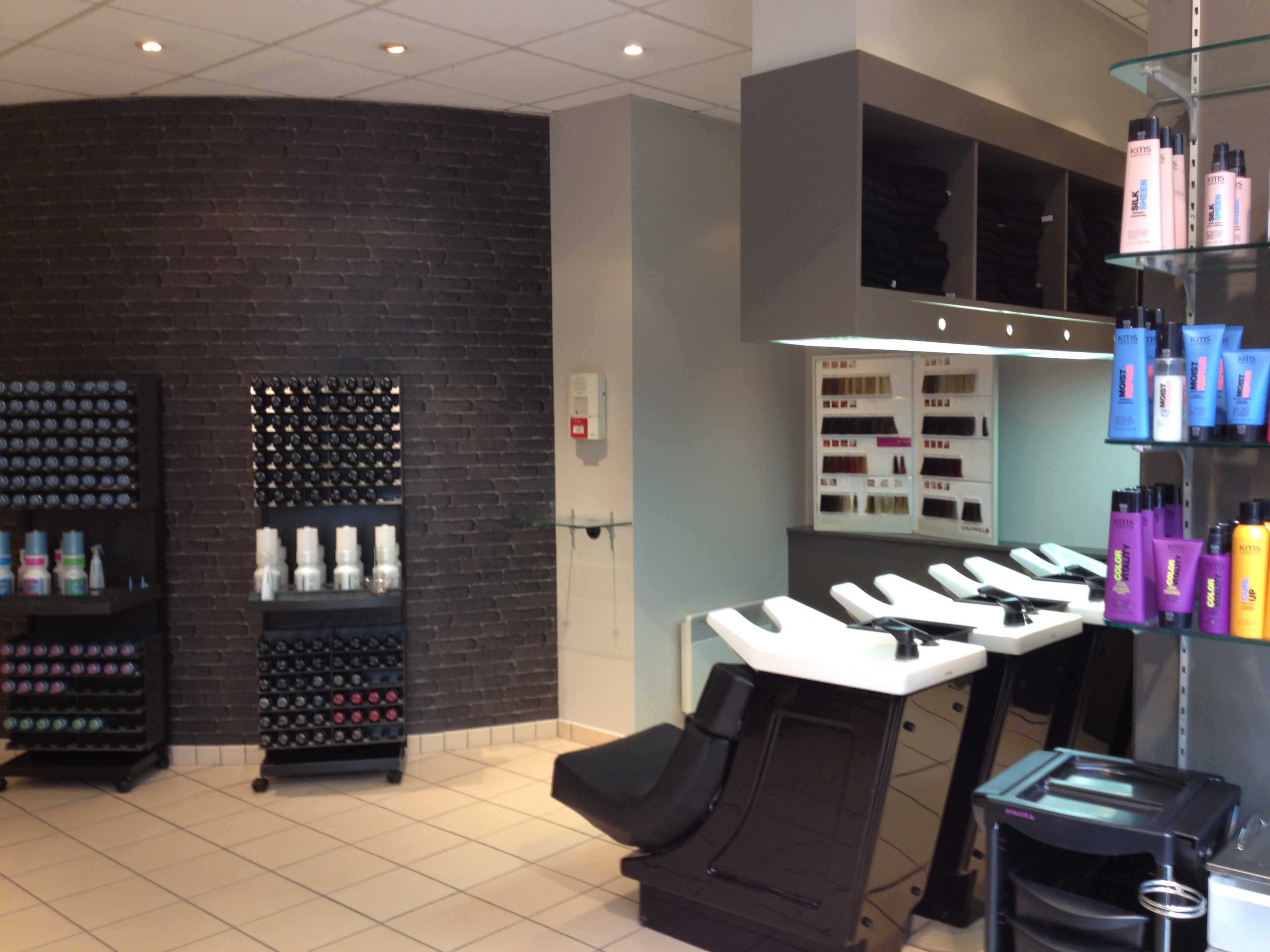 Les coiffeurs au carr clermont ferrand avis tarifs for Salon de coiffure clermont ferrand