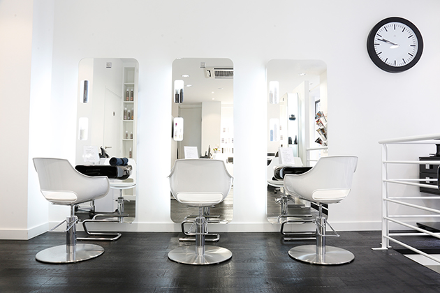 Jean michel faretra ouvre son salon de coiffure paris for Salon de coiffure paris 5