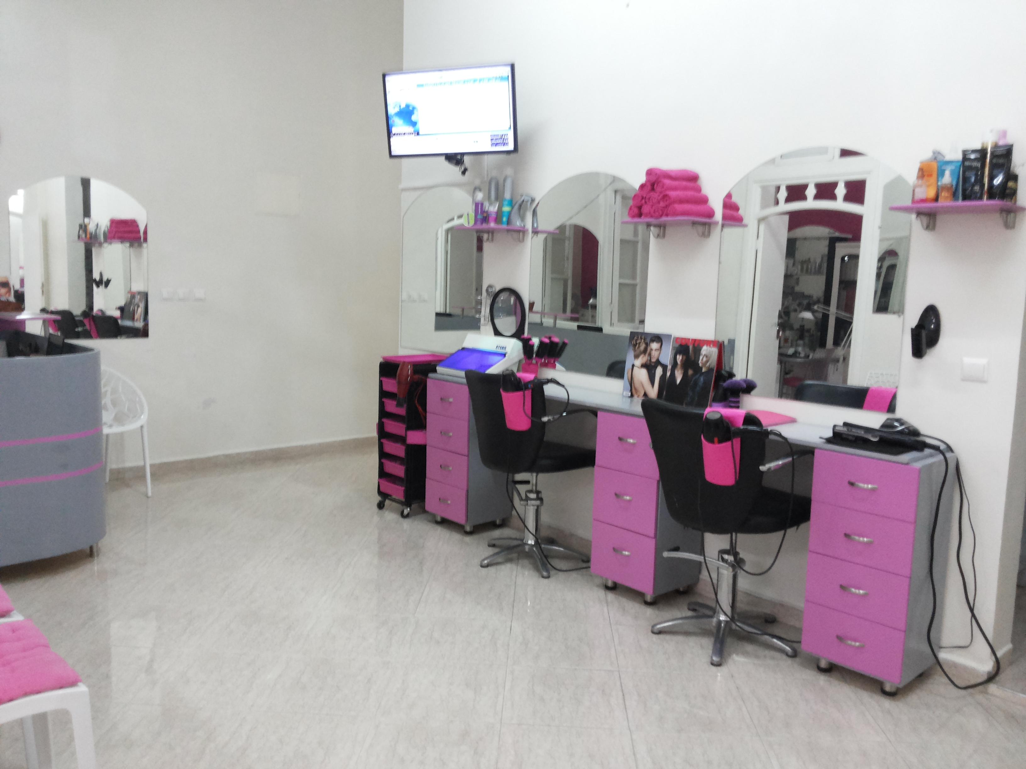 decoration salon de coiffure pour femme. Black Bedroom Furniture Sets. Home Design Ideas