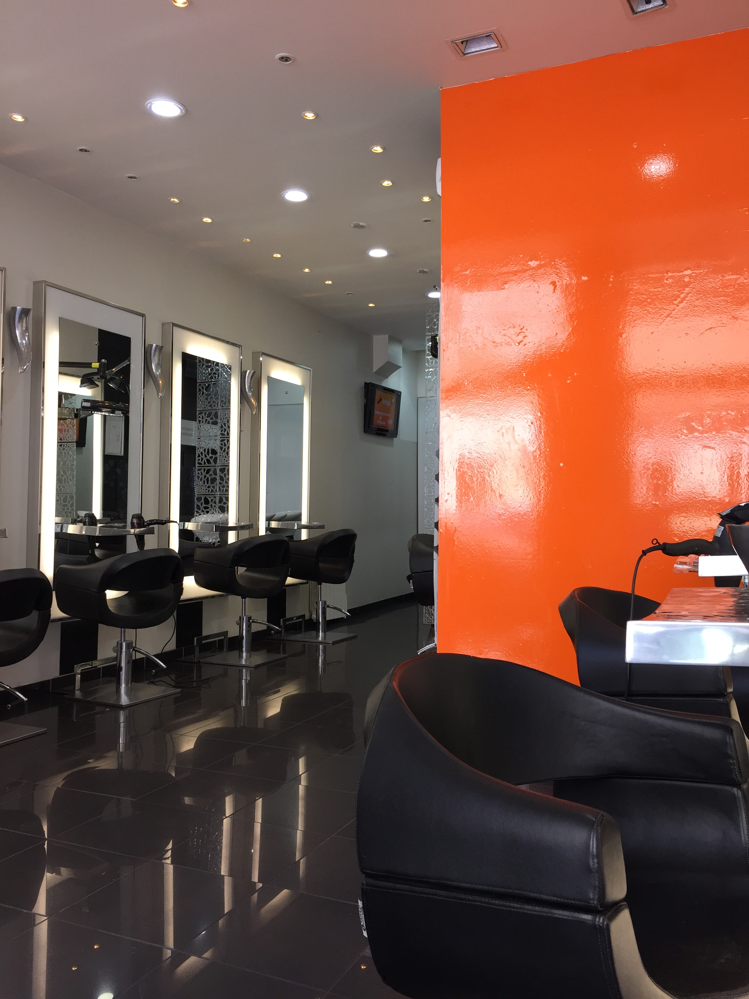 Luis coiffeur lyon salon pour homme lyon avis tarifs for Salon de coiffure lyon 6