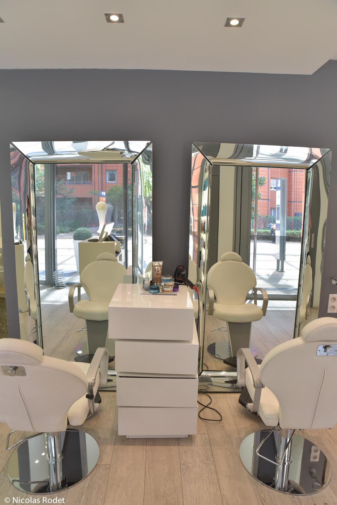 Confidences prestige lyon avis tarifs horaires t l phone for Achat salon de coiffure lyon