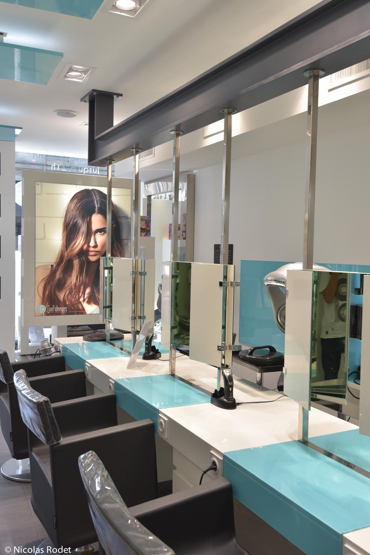 Confidences salon coiffure lyon coiffures modernes et for Salon coiffure afro lyon