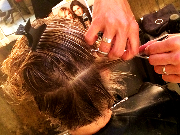 Technique de coupe sur cheveux secs