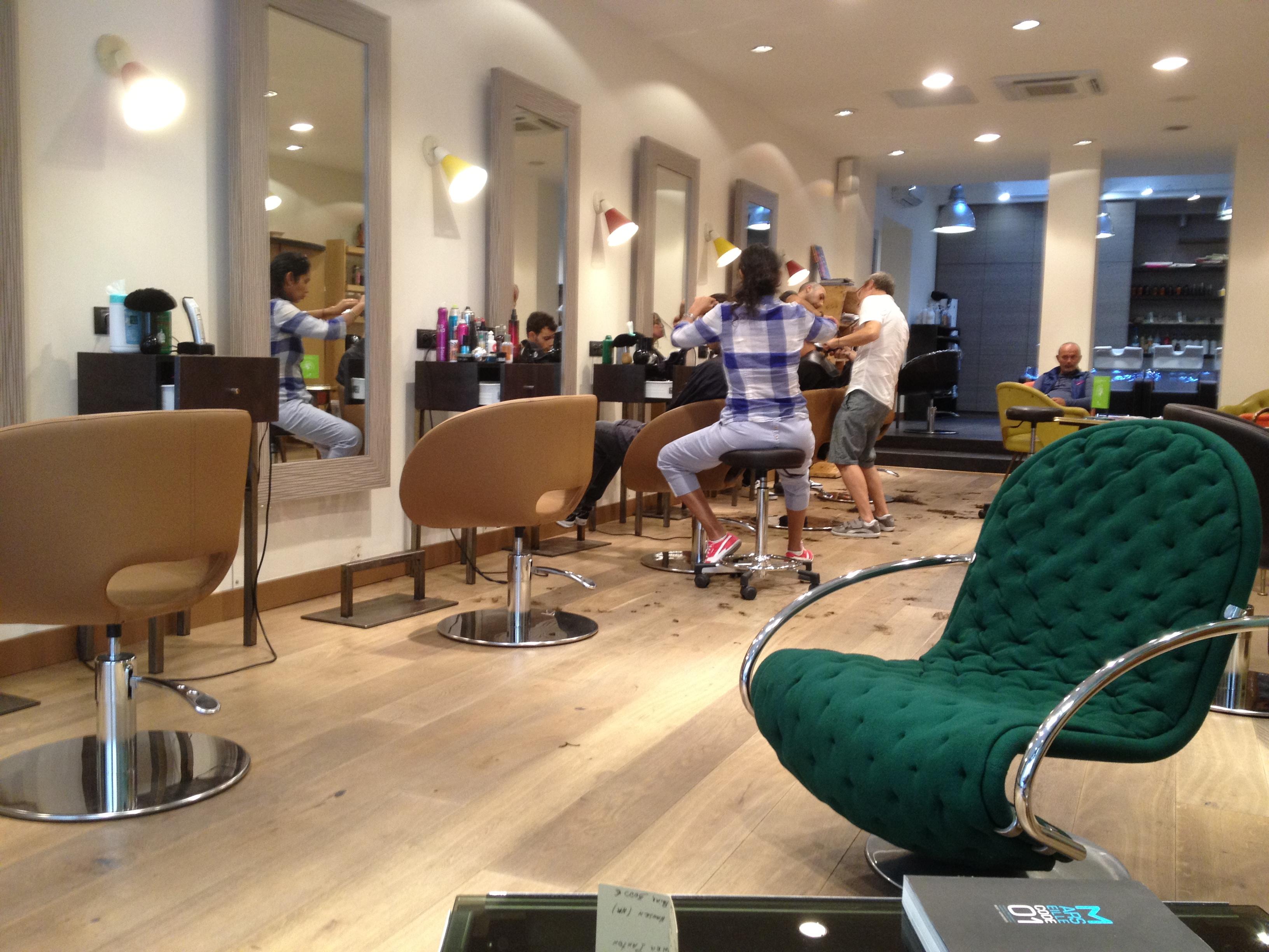 Salon de coiffure marino marseille coiffures modernes et for Salon de l immobilier marseille