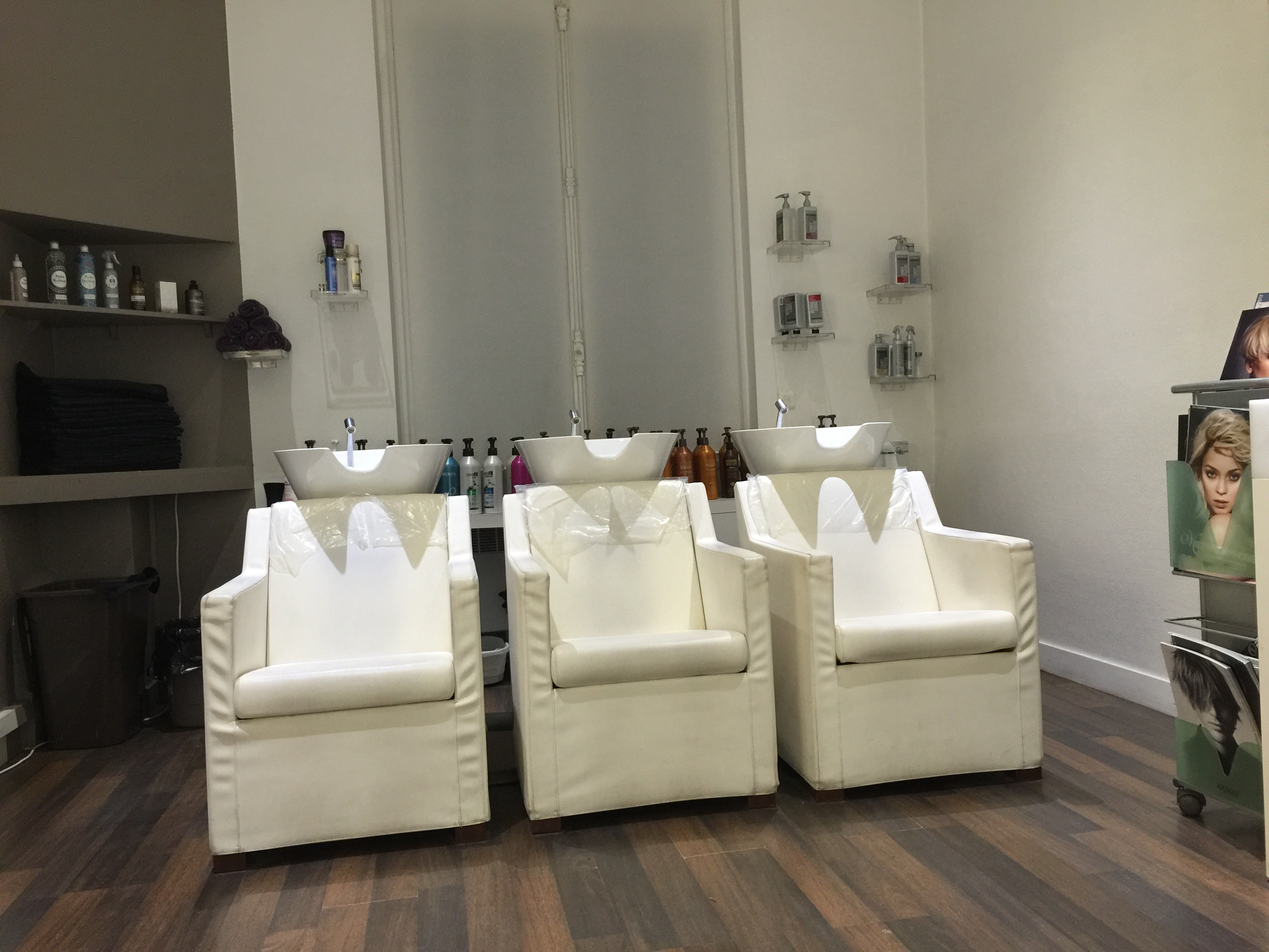 Salon alexandre henry attache ralise au salon sophie for Lissage bresilien franck provost salon