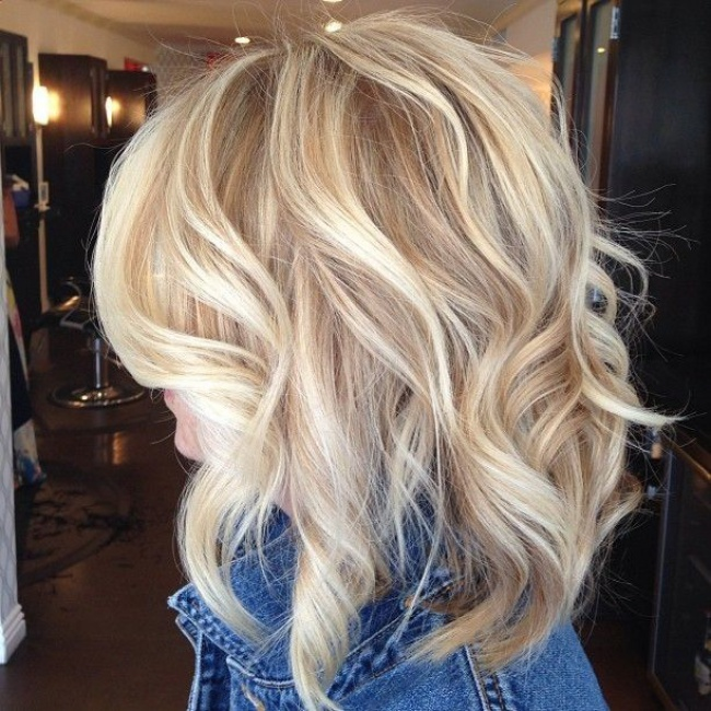 Carr blond 30 photos absolument superbes coupe de cheveux - Carre plongeant meche blonde ...